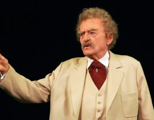 hal-holbrook-actor-who-channeled-mark-twain-is-dead-at-95