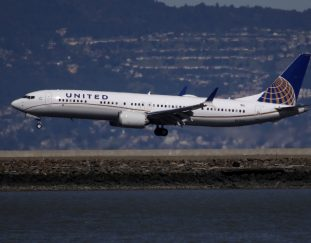united-returns-boeing-737-max-to-commercial-service-after-grounding