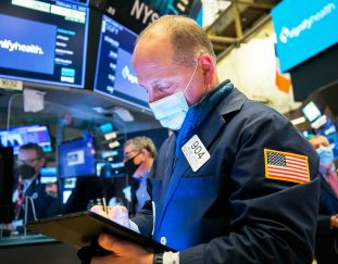 stock-futures-dip-in-overnight-trading-after-sp-500-ekes-out-record-close