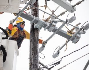 texas-grid-operator-says-its-now-under-normal-conditions-millions-still-under-boil-water-notice
