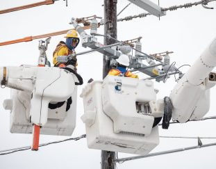 houston-mayor-says-state-should-pay-for-high-power-bills
