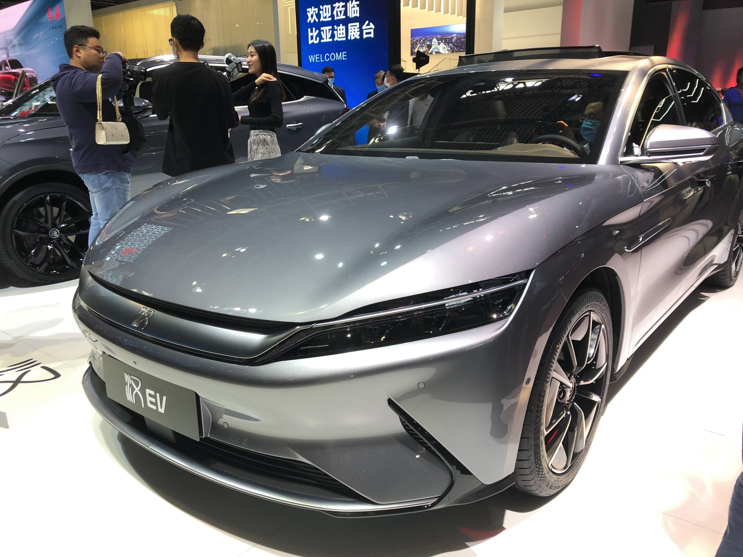 warren-buffett-backed-byd-sells-more-electric-cars-march-vs-nio-xpeng