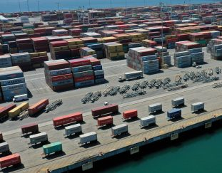 retailers-pay-to-fly-goods-from-china-as-u-s-port-backup-delays-deliveries