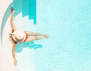 is-it-safe-to-travel-this-summer-optimistic-travelers-booking-now