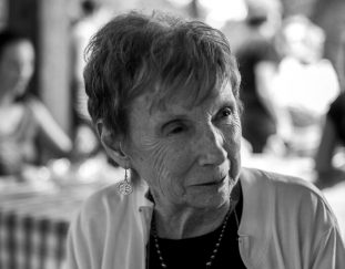 marie-mongan-who-developed-hypnotherapy-for-childbirth-dies-at-86