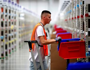 jeff-bezos-is-obsessed-with-a-common-amazon-warehouse-injury