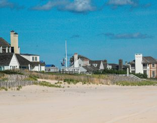 a-house-just-rented-in-the-hamptons-for-2-million-for-the-summer