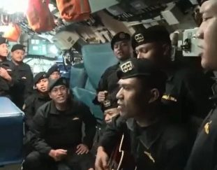 indonesia-submarine-crew-sang-a-farewell-song-weeks-before-sinking