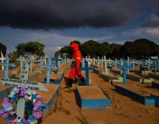 brazil-fears-third-covid-wave-as-bolsonaro-faces-parliamentary-inquiry