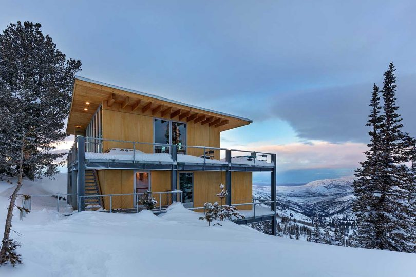 schemata-architects-designs-a-modern-chalet-on-powder-mountain-in-utah