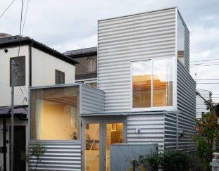 unemori-architects-designs-house-tokyo-with-a-compact-footprint