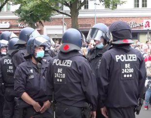 live-covid-sceptics-protest-in-berlin