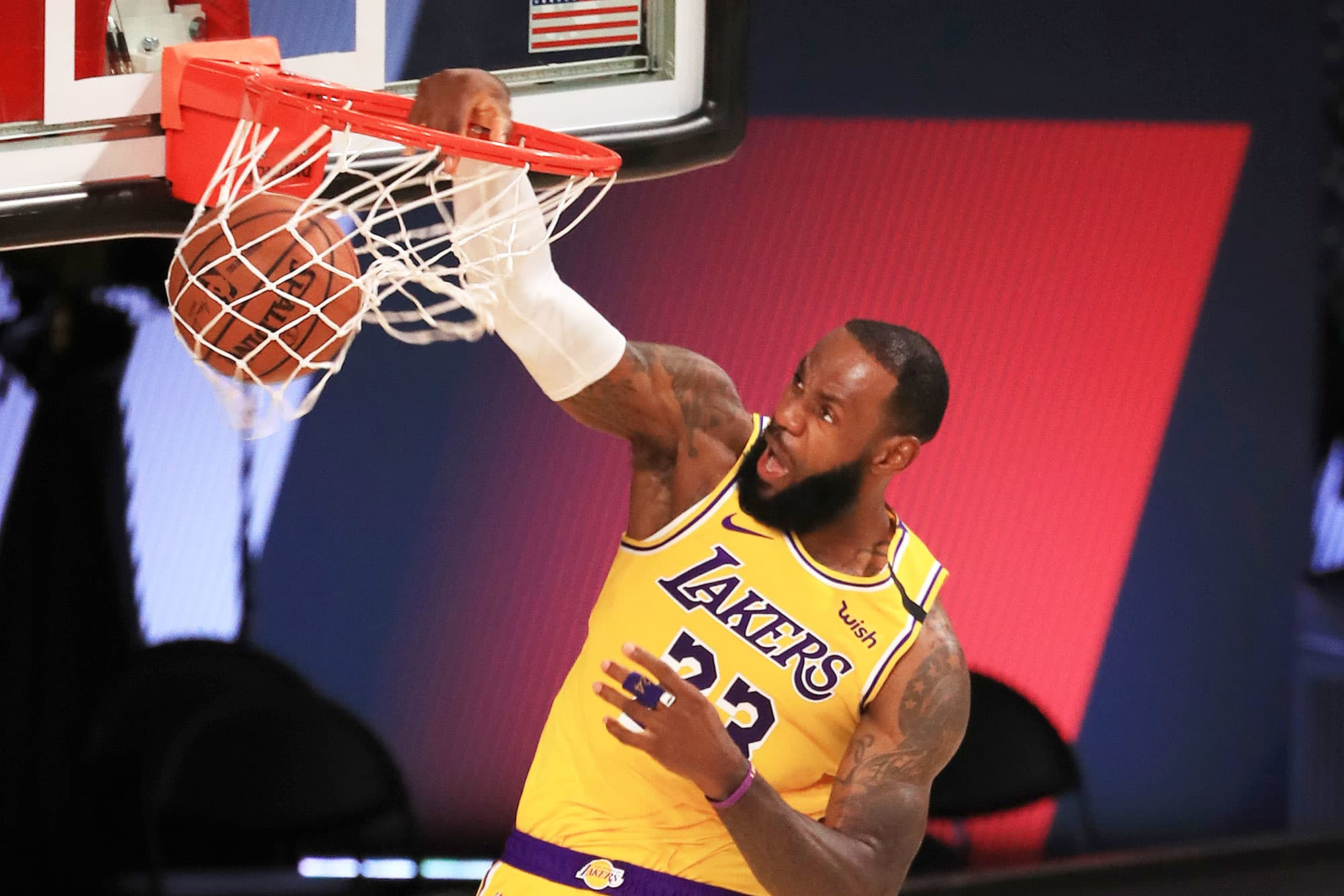 lakers-hire-agency-sportfive-to-find-new-jersey-sponsor-valued-at-nearly-200-million