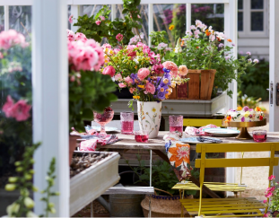 thriving-in-a-greenhouse-finegardening