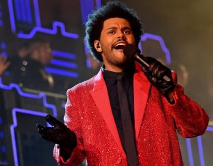 check-out-the-weeknds-super-bowl-halftime-show-photos