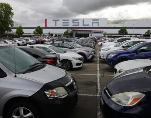 hundreds-of-tesla-workers-tested-positive-for-the-virus-after-elon-musk-reopened-a-plant-data-shows