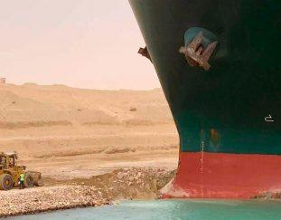 why-the-internet-loves-the-suez-canal-stuck-ship-saga