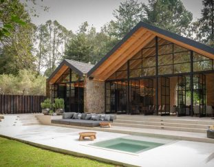 a-weekend-retreat-in-mexico-thats-both-rustic-and-modern