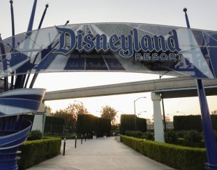 california-sets-a-road-map-for-theme-parks-to-restart-putting-disneyland-on-track-for-reopening