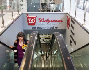 walgreens-blackberry-applied-materials-more