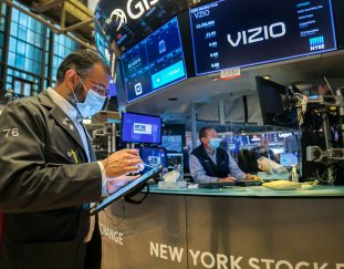 stock-futures-rise-slightly-ahead-of-major-corporate-earnings