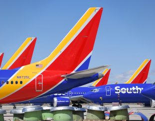 top-airline-stocks-to-buy-on-a-discount-according-to-two-traders