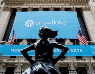 snowflake-ceo-urges-investors-to-be-patient-with-stock-during-cloud-transition