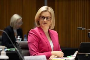 victoria-records-no-new-local-covid-cases-as-melbourne-exposure-sites-expanded-politics-live-australia-news