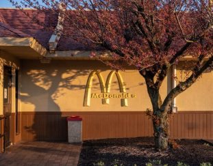 mcdonalds-to-increase-wages-as-job-market-tightens-live-updates