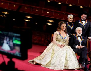 the-toasts-are-mimed-but-the-kennedy-center-honors-return