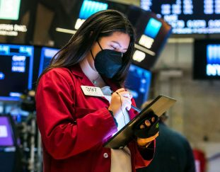 stock-futures-muted-after-dow-starts-week-lower