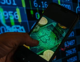 many-crypto-firms-not-meeting-money-laundering-rules-uks-fca-warns