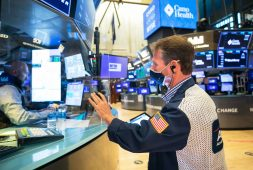 stock-futures-are-flat-after-nasdaq-and-sp-500-notch-fresh-records-fed-meeting-ahead