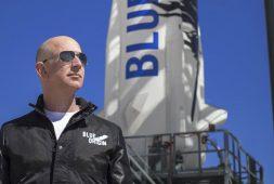 jeff-bezos-blue-origin-space-flight-auctions-for-28-million